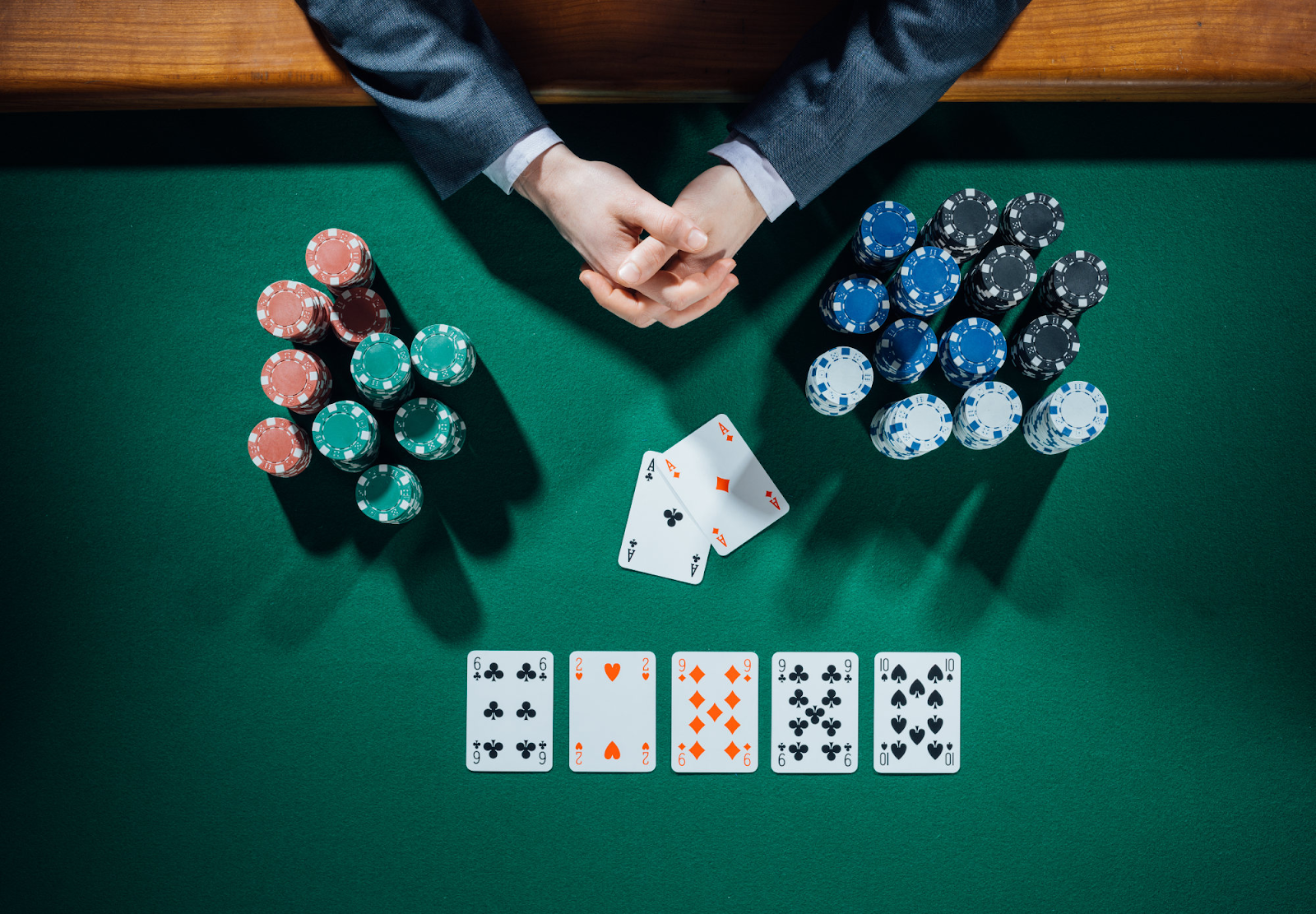 Các thể loại và hình thức thi đấu poker – Địa chỉ chơi bài online ...